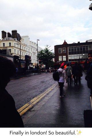 Finally in london! So beautiful.✨
