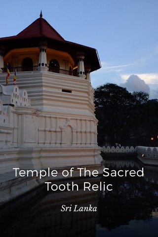 Temple of The Sacred Tooth Relic Sri Lanka