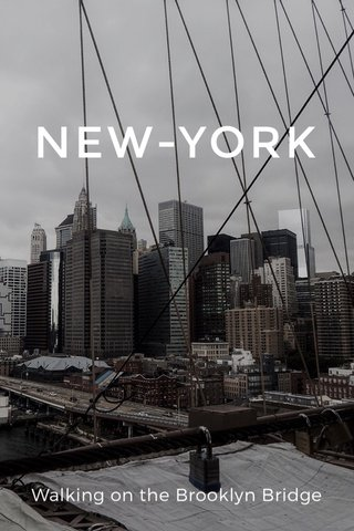 NEW-YORK Walking on the Brooklyn Bridge